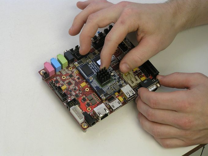 imx6rex-getting-started-heatsink2-680px